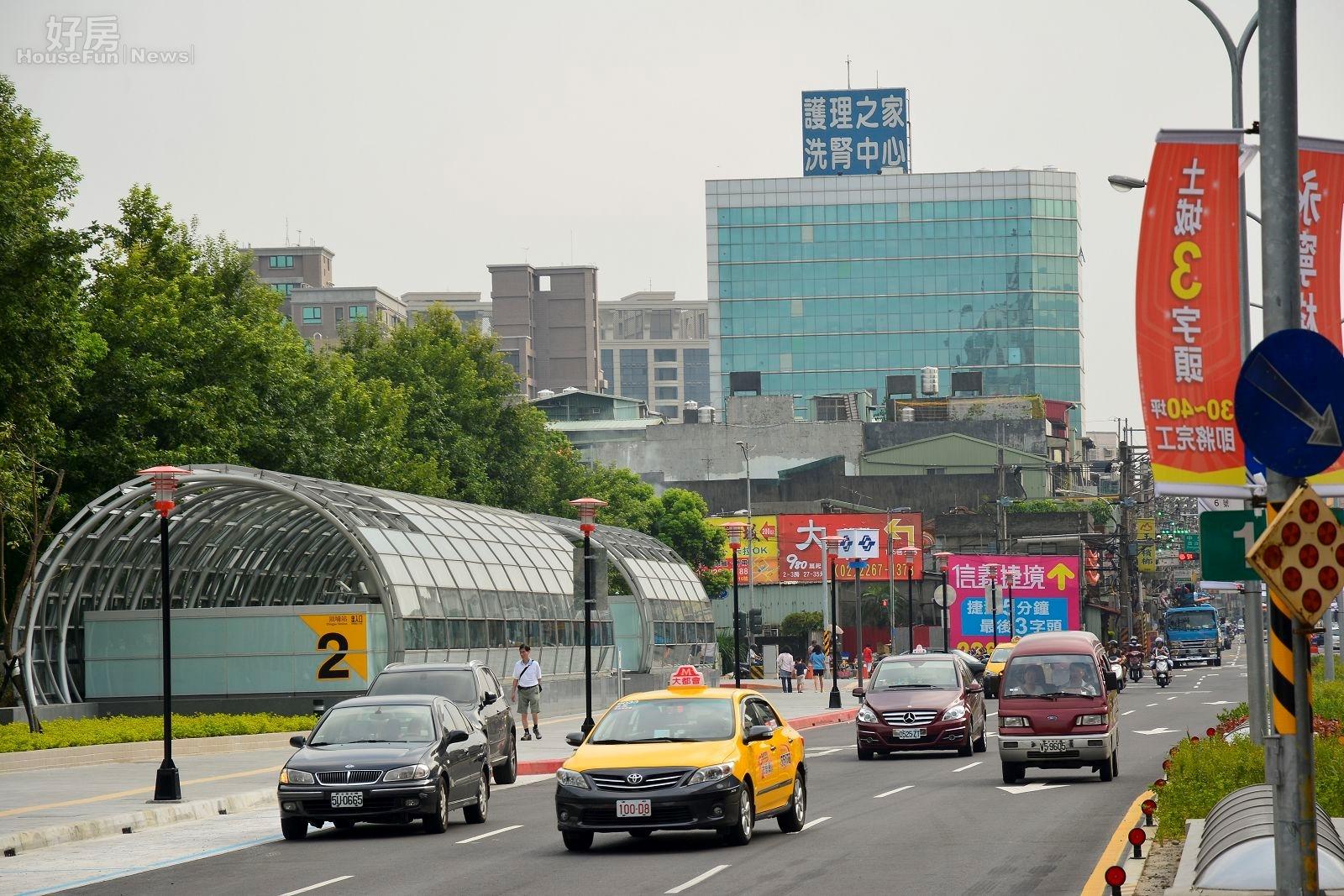 捷運頂埔站已通車,許多新建案因應而生。(好房網News記者 陳韋帆/攝影)