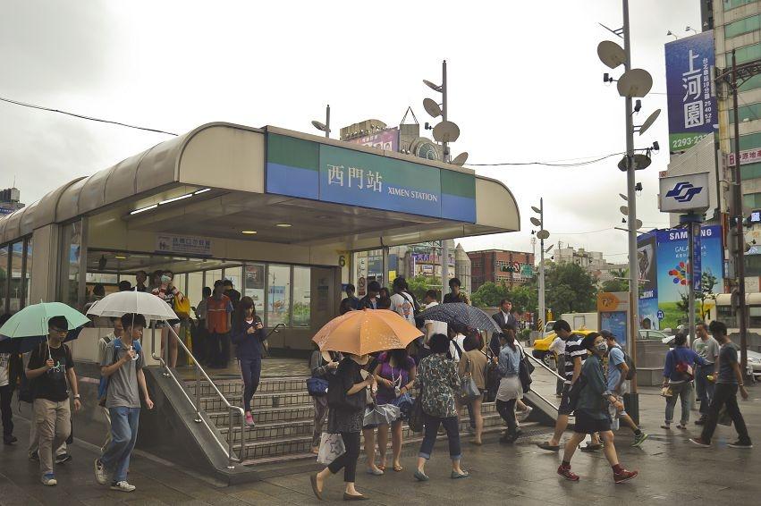 西門町,誠品116,捷運西門町站,6號出口。(好房news記者 陳韋帆/攝影)