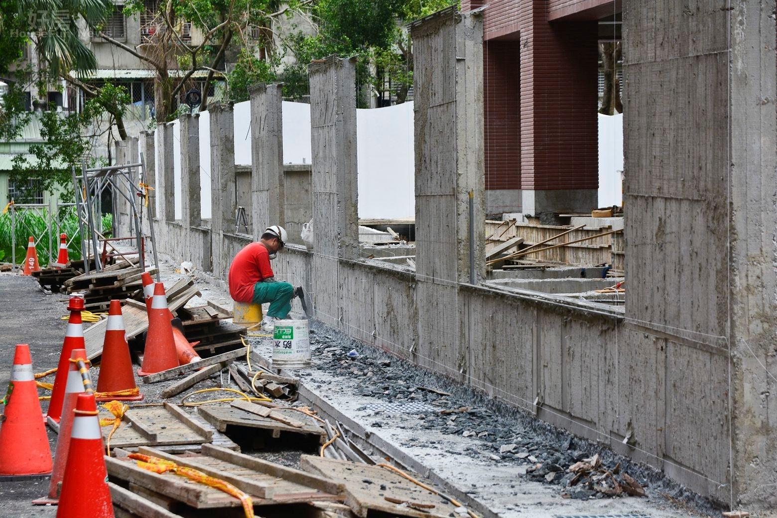 汐止區夢想社區第四期建案,施工情境圖,大樓工地。(好房News記者 陳韋帆/攝影)