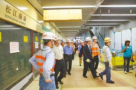 ... 松江南京站將會是人潮最多的