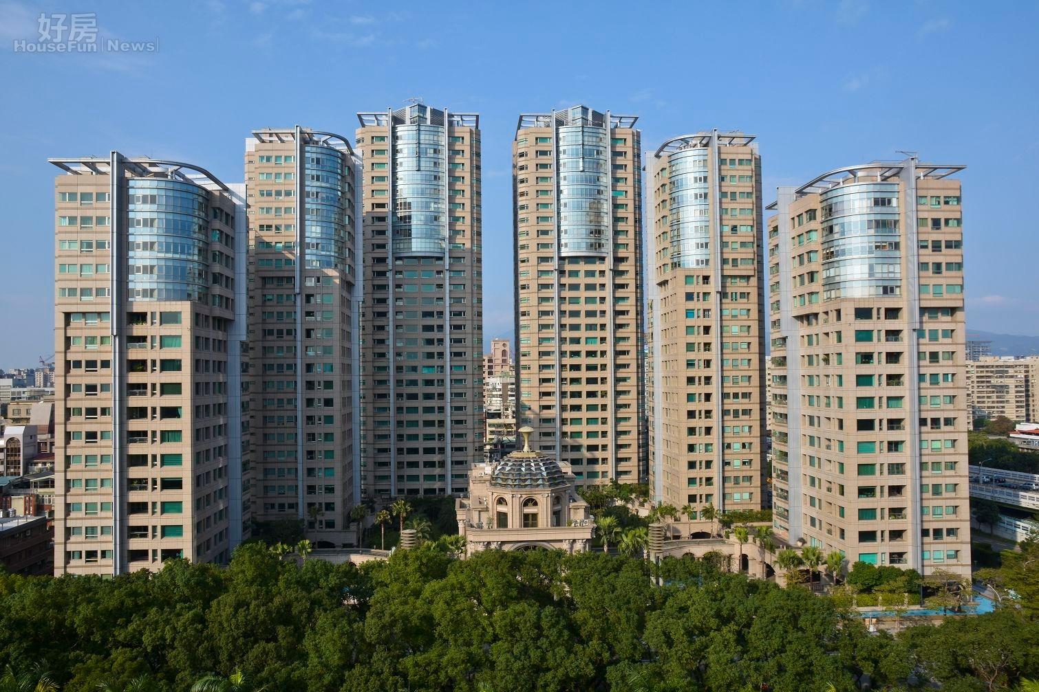 北市頂級豪宅,仁愛帝寶空拍圖,俯瞰圖。(好房News記者 陳韋帆/攝影)