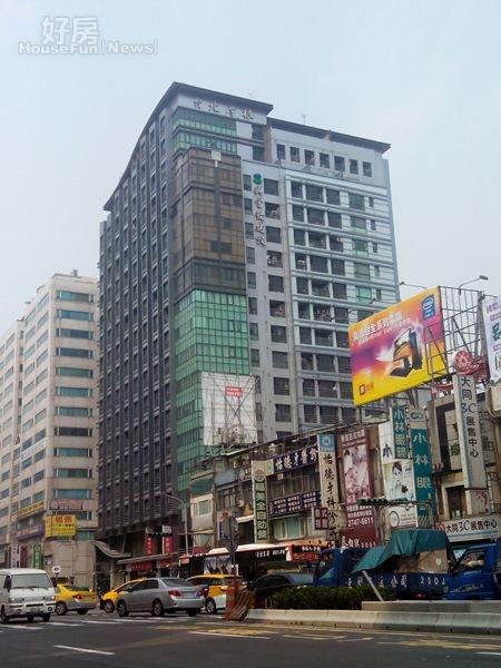 1「台北摩根」為台北捷運南京三民站的分構住宅。