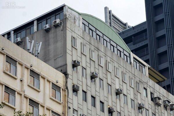 北市面積最大的違建、松江路的十四樓頂樓違建。(好房網News記者 陳韋帆/攝影)