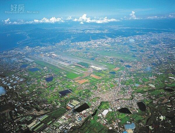航空城計畫面臨重新檢討,開發進度仍沒有時間表。(截取自維基百科)