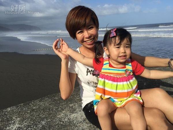 8.度假屋鄰近烏石港海灘,讓許晶晶能常常帶孩子去海邊玩,親近大自然。