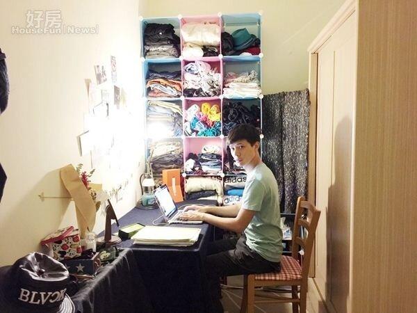 7.喜歡唱歌、詞曲創作的陳岢鋐,也會在房間裡開個小燈,更有創作的靈感。