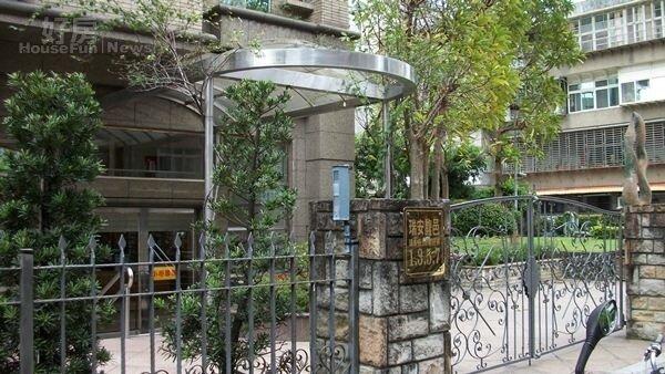 4張葳葳曾是「瑞安馥邑」的知名住戶。
