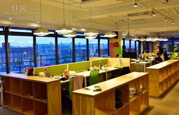5.幾乎不太使用傳統辦公室隔板,全開放設計讓空間感覺更寬敞,Ivy希望員工能在輕鬆心情下激出更多點子。
