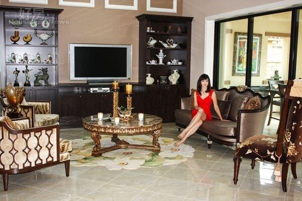 2.新家由周心怡與同樣學設計的母親裝潢佈置,洋溢著中西合璧的Modern Asian Style。