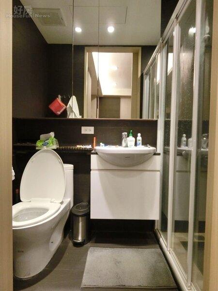 6.浴室部份趙芸個人偏好乾濕分離系統,這也是她在挑選租屋的必要堅持。