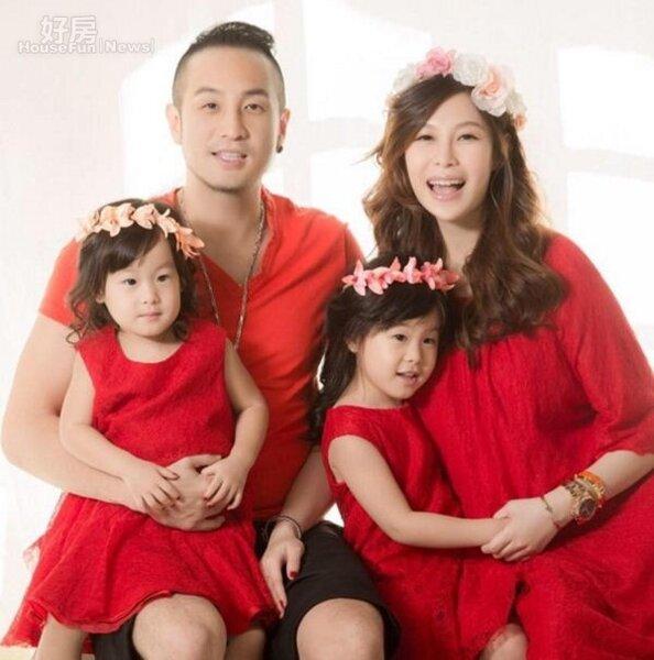 4.唐志中婚後ㄧ家四口幸福美滿。