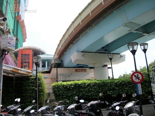 5.捷運辛亥站在辛亥路四段上,距離興隆三段步行只要5分鐘。