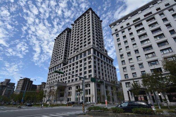 12月將開幕的美福大飯店座落於大直重劃區。(好房網News記者陳韋帆攝影)