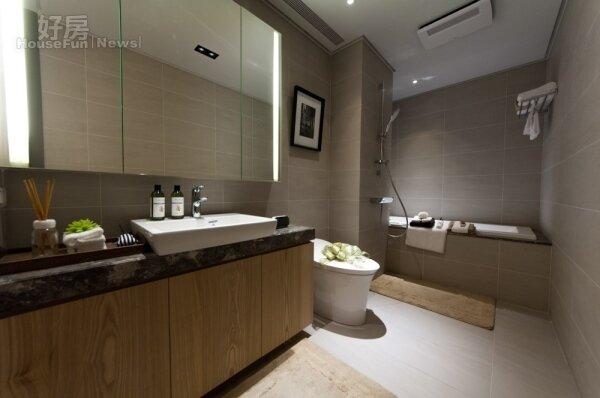 火災發生時,沒有對外窗的浴室可能是最容易致死的避難空間。(好房網News記者張聖奕/攝影)