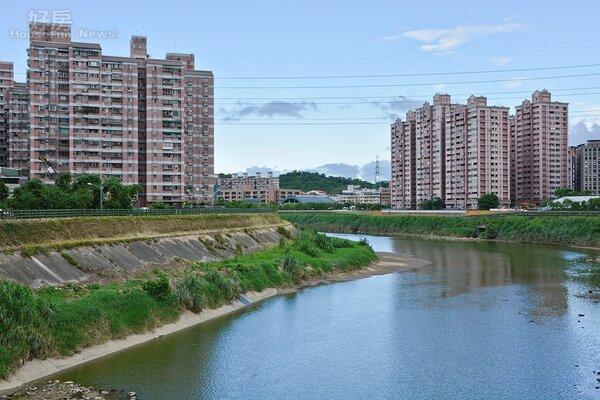 汐止區今年的買賣建物棟數是新北市當中跌幅較大的區域。(好房網News記者張聖奕/攝)