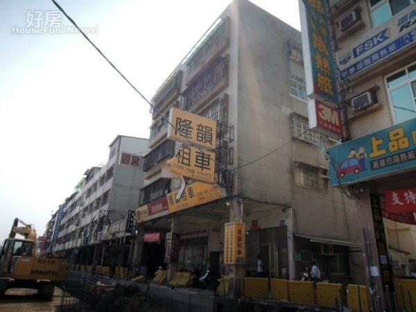 高雄市凱旋三路的數棟老舊公寓成為氣爆災區第一波都市更新建物。(截取自高雄市府網站)