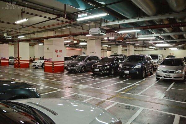台北車位難尋,買房附車位容易讓買客上門。(好房網News記者 陳韋帆/攝影)