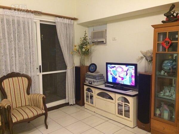 2.張鈞新店達觀鎮的起家厝,室內面積有40多坪。