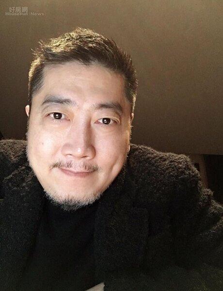 1創作不少知名歌曲的小蟲,近年活躍於兩岸音樂創作。(摘自JohnnyBug Chen臉書)