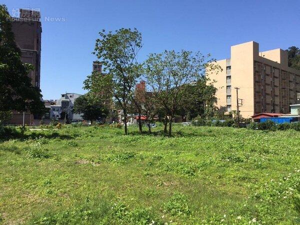 考試院旁將興建合宜住宅,多位里長聯合抗議。(好房網News記者張聖奕/攝影)