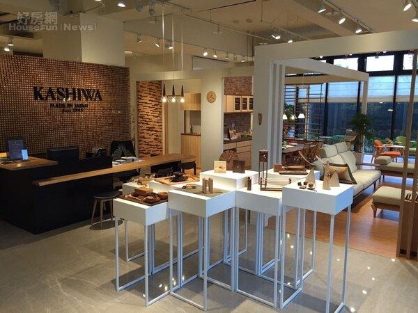 店內裝潢由KASHIWA團隊操刀,原汁原味呈現日本的北歐風店面。
