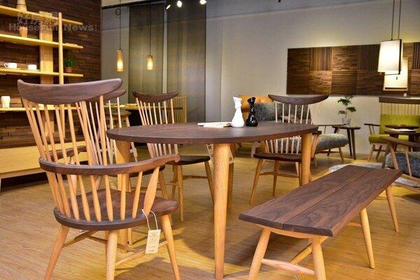 飛驒山牛角椅系列,椅座按照臀型設計,坐起來超乎想像的舒適。