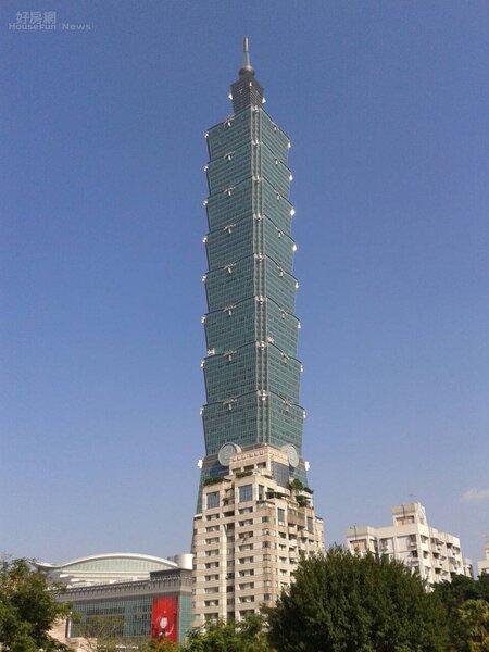 3自「新世界」步行到「台北101」只需10分鐘路程。