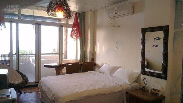12.房間裡的燈也是手工打造的。