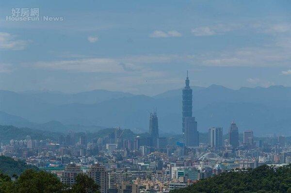 台北房市情境圖,空拍大景。(好房網News記者張聖奕/攝影)