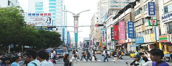台中市地政局5日公布,10月台中市建物買賣移轉棟數共3,849棟,較9月3,545棟,增加304棟,月增幅8.6%,較去年同期成長154棟,年增率4.2%。(圖/一中街/好房資料中心)