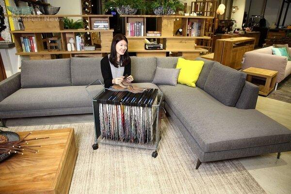 11.「Verzelloni」沙發價格端視面料、款式而定,一組三+二人座價格帶在30多萬元~70多萬元之間。