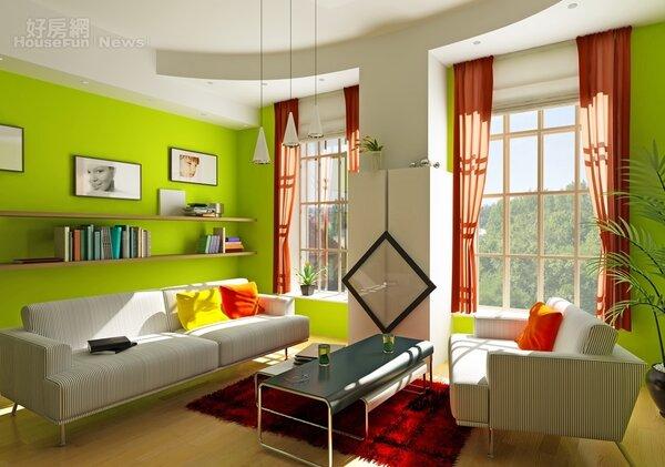 牆面漆成綠色的客廳。(圖片來源:Dreamstime)