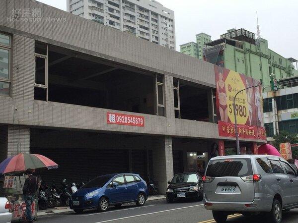 高雄左營明誠路商圈,出租空屋 (好房網News記者林美欣攝影)