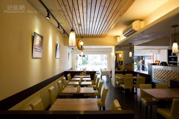4.餐廳裝潢風格走明亮、休閒風。