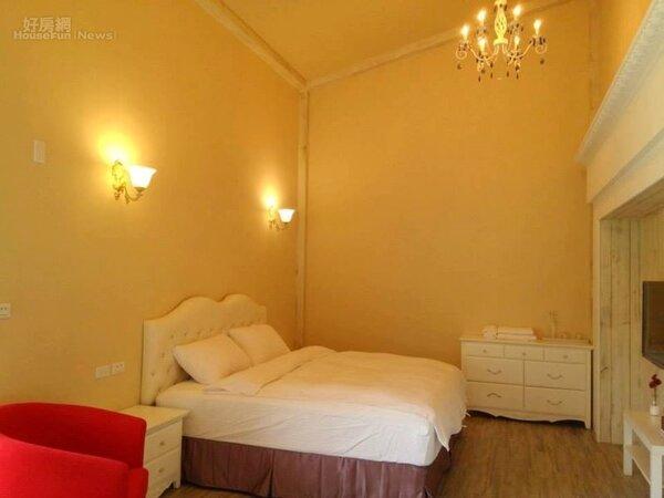 11.雅致的雙人房,佈置得相當舒適。