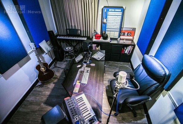 5.錄音室位置在房子正中央,本身就有不錯的隔音效果,大隸還特地在財位擺了水晶。