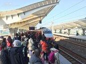1月26日到2月2日春節疏運 鐵公路無縫接駁