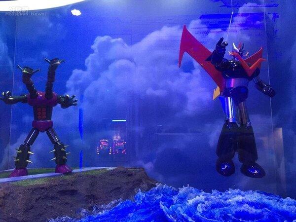 8.櫥窗內的大魔神從海底現身,連海中的漩渦都實際打造。