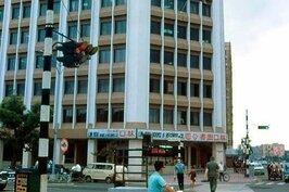敦煌書局所在地的前身是林口圖書公司。1971年成立後,中間搬到林森北路,然後於2002年解散。(照片來源/網路翻攝)