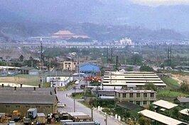 由曾駐台美軍Imperial Hotel所拍到的美軍東營區樣貌。