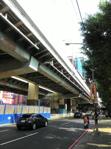 3.中和景平路有捷運環狀線經過,房價看漲。