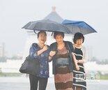 輕颱莫柏助威 周三恐豪雨