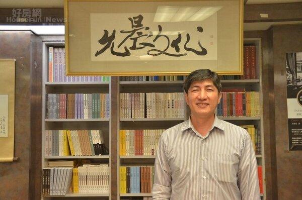 允晨文化發行人廖志峰,有著濃厚書卷味。
