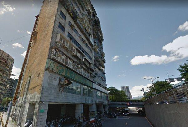 台北市知名兇宅「錦新大樓」(圖/翻攝自google map)