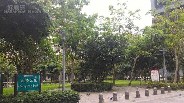 5.昌隆公園腹地大,種植多種植物。