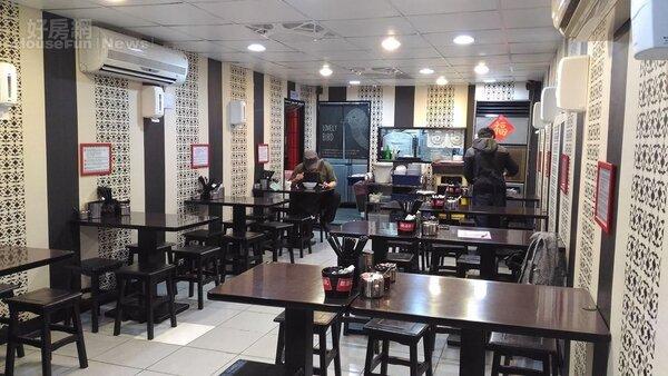 3.店內走小吃店風格,裝潢樸素親民。