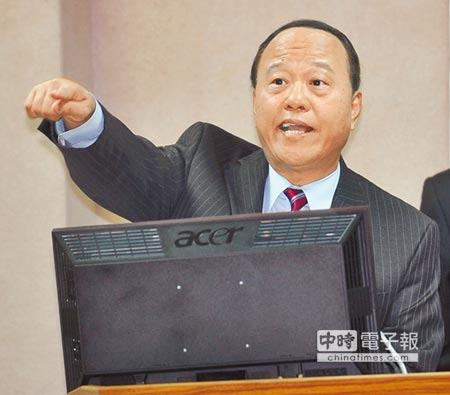 國防部次長柏鴻輝昨日表示,已建議本會期不處理軍人年金。(劉宗龍攝)