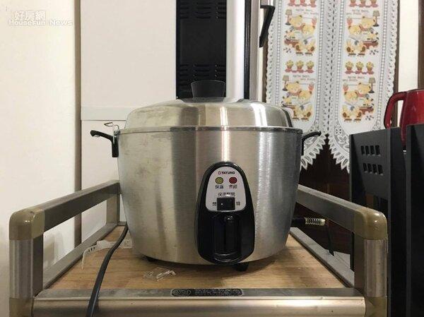 電鍋料理百百種,操作簡單又省時,是租屋族心中的必備家電(好房網News記者蔡孟穎/攝影)