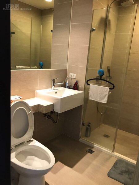 6.浴室採乾濕分離,相當整潔新穎。