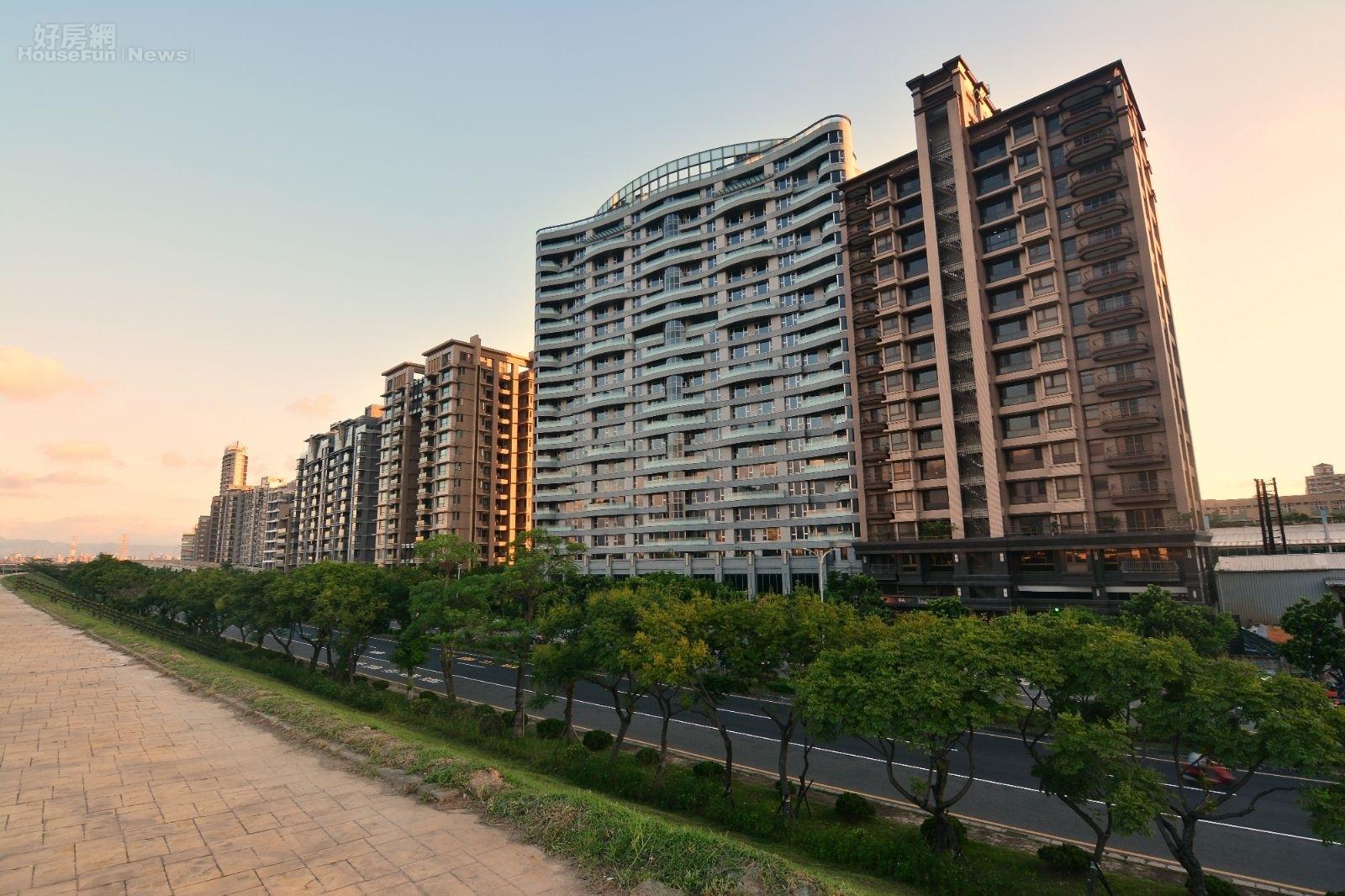 號稱「新北第一環」的三重重陽重劃區,過了重陽橋就可以到達台北市(好房網News記者 陳韋帆/攝影)